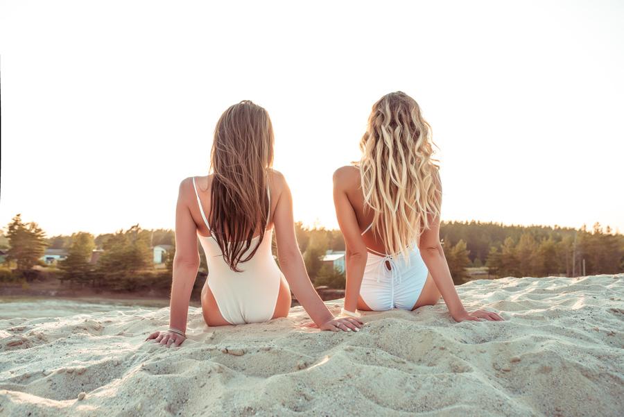 Prihaja poletje, morje in sonce... Kako poskrbeti za svoje lase?